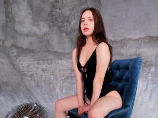 Sexy picture of AnnaFaris