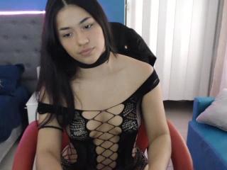 Sexy pic of AshleeHal