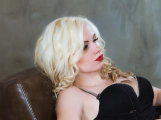 Sexy picture of BustyBlondAnn