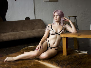 Sexy pic of ElizabethGibson