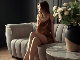 Sexy picture of KieraBrauer