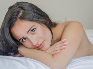 Sexy profile pic of NinaBryon